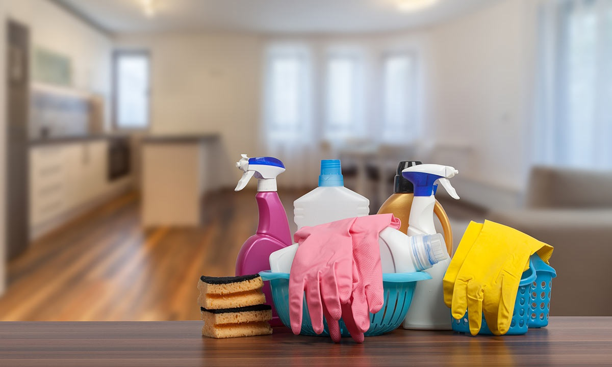Let Reliable Housekeeping Services Make Your Rooms Dazzle From Inside