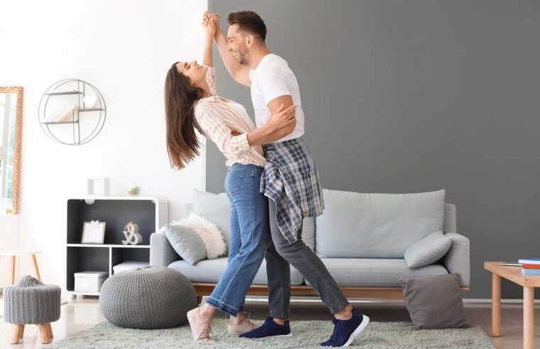 Top Tips For Pretty Young Couples Looking For Home For Rent