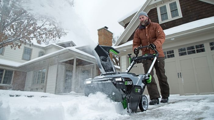 Why You Should Let Professionals Take care Of Your Snow
